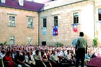 Mezi kulturní památky se zařadil i hrad Grabštejn, který je pravidelným dějištěm zajímavých kulturních akcí.