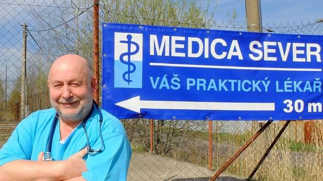 Libor Maryško se do centra města nehrne, ordinaci má na okraji Liberce v Ostašově.