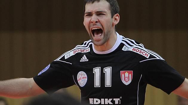 RADEK MOTYS může být spokojen. Jeho Budějovice opět porazily Duklu Liberec.