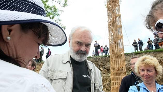 ZDENĚK SVĚRÁK představil budoucí rozhlednu i muzeum.