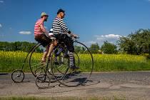 Haškova velocipiáda, tradiční jarní slavnost se spanilou jízdou cyklistů na historických kolech v dobových kostýmech, se uskutečnila 8. května ve Všeni u Turnova.