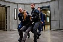 Hlavní hrdinka Tris v podání Shailene Woodley pokračuje v boji s nelítostným systémem i se svými vlastními démony.