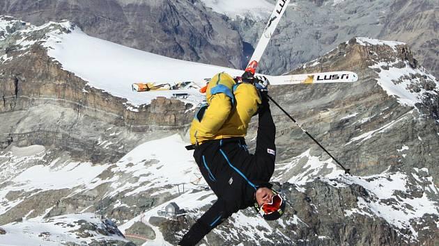 DANIEL HONZIG. Česká jednička akrobatického lyžování.