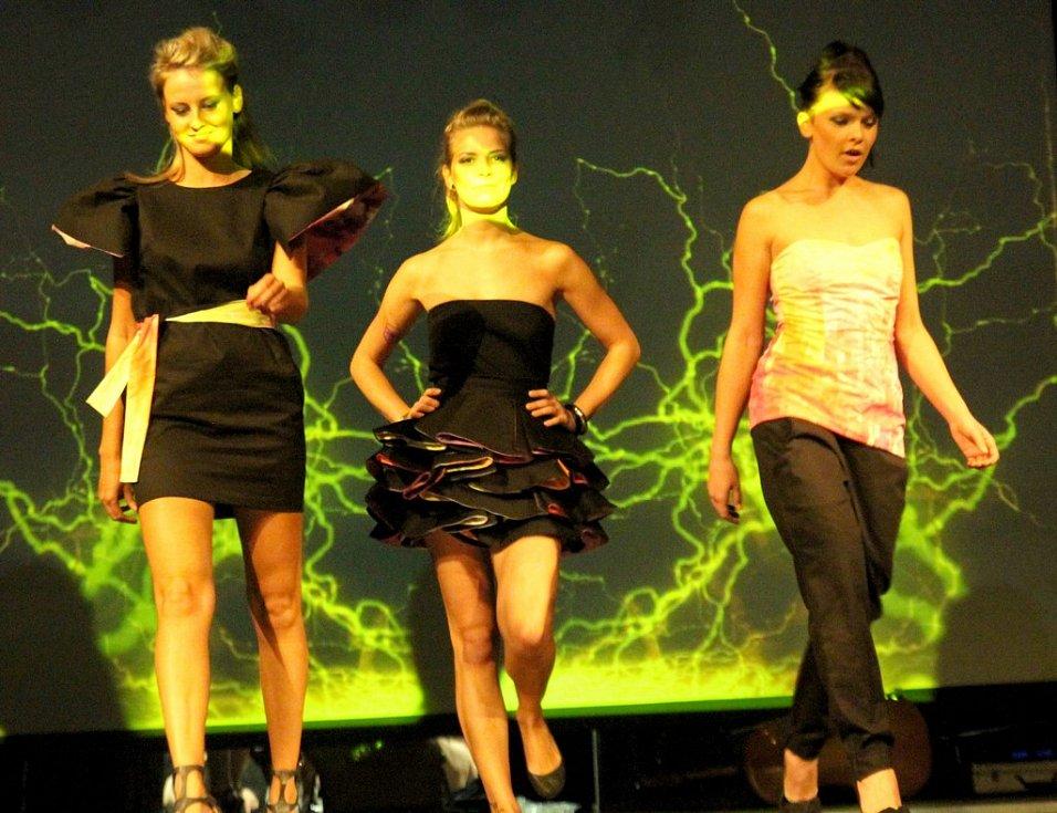 Fashion show Zuzana Jurová: Enter the Voit na DrinkARTu ve vratislavických Desítkách