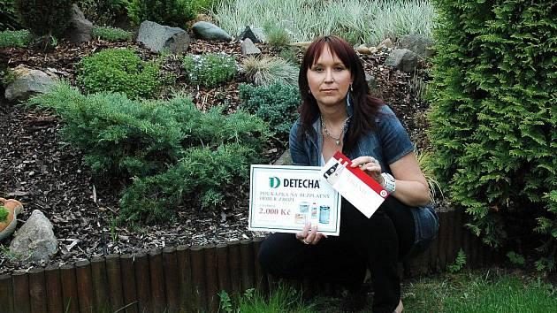 Absolutní výherkyně Martina Zákonová na své zahrádce.