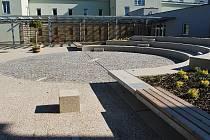 Didaktická zahrada a pavilon B na ZŠ Lesní
