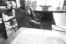 PROFESOR BOHUMIL NUSKA je nejen členem akademického sboru Technické univerzity. Je také prozaikem, básníkem, výtvarníkem, historikem umění, kulturním historikem, estetikem, filosofem.