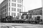 pracovní vlak na tramvajové trati určený pro montáž trolejového vedení u TEXTILANY.pracovní vlak na tramvajové trati určený pro montáž trolejového vedení u TEXTILANY.