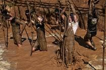 Světově vyhlášený překážkový závod Spartan Race dorazil pod Ještěd a vyburcoval závodníky, aby si sáhli na dno svých sil.