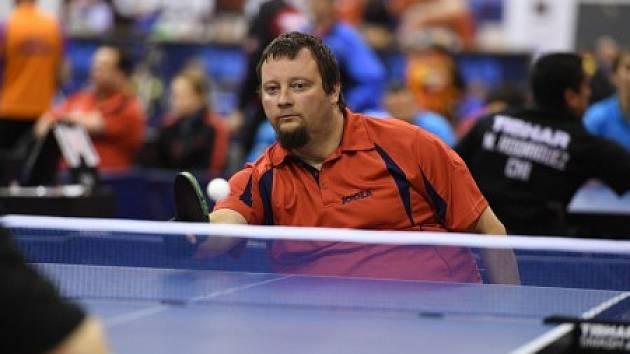 Stolní tenista Jiří Suchánek