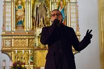 Zpěvák Marián Vojtko zazpíval v libereckém kostele.