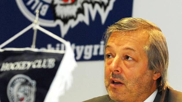 CTIBOR JECH. Liberecký generální manažer má nyní plnou hlavu starostí.