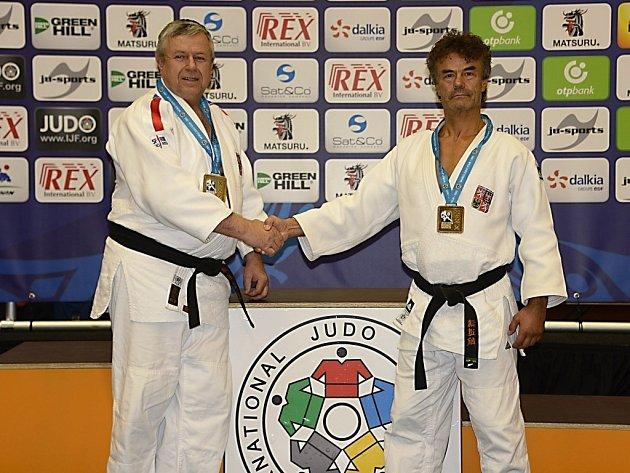 LIBEREČTÍ VETERÁNI. Vlevo Milan Vágner a vpravo Lubomír Šindelář. Stříbrný a zlatý z Amsterdamu.