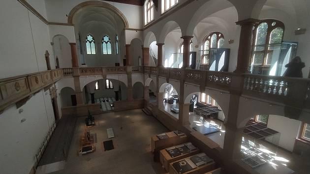 Severočeské muzeum v Liberci je už dva a půl roku zavřené pro návštěvníky. Za tu dobu stihlo projít nákladnou rekonstrukcí za 143 milionů korun.
