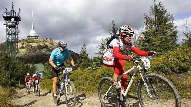 V areálu ve Vesci proběhl 11. závod největšího seriálu horských kol – Kolo pro život pod názvem Ještěd Tour Kooperativy.