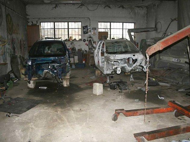 Auta kradli na základě objednávek.