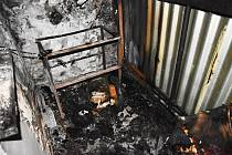 V Lomnici nad Popelkou chytl na Štěpána od svíčky byt