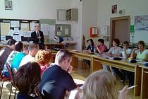 Liberecké gymnázium Jeronýmova zahájilo pilotní projekt. Jako jedni z prvních vychází vstříc novému trendu – vzdělávání dospělých.