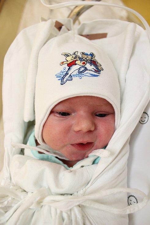 Matěj Malý. Narodil se 19. listopadu v liberecké porodnici mamince Elišce Malé z Jablonce nad Nisou. Vážil 3,36 kg a měřil 51 cm.