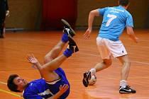 AL-CHAJDA PAMPUCH 3:10. Vedoucí tým (právě uniká jeho hráč) vyhrál o sedm branek.