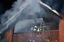 TŘI MILIONY. Tolik se podařilo hasičům uchránit včasným zásahem.