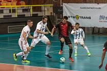 Futsalisté Liberce (v tmavém) porazili Budějovice 5:3.
