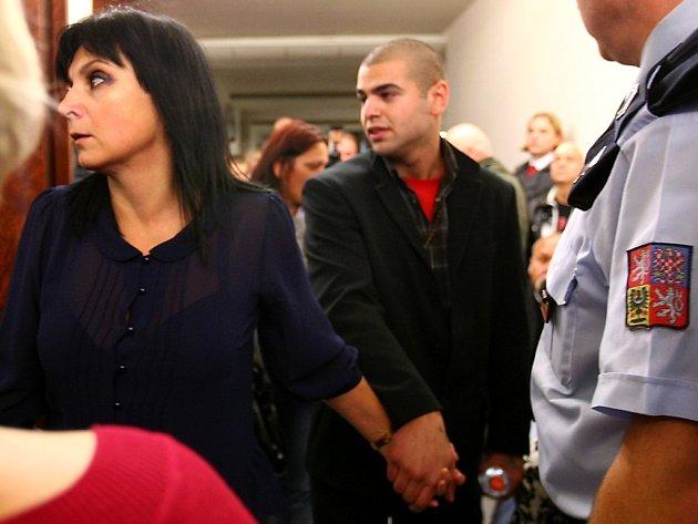 Soudní líčení mačetového útoku, který se stal 7. srpna 2011 Novém Boru.