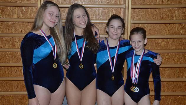 Liberecké trampolinistky. Zleva: Natálie Vavřinová, Barbora Svátková, Aneta Hrudová, Anna Stasová.