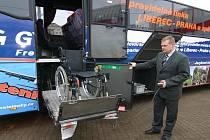 Dva z celkem pěti autobusů Bova budou na pravidelné lince Liberec – Praha a zpět vybaveny hydraulickou plošinou.
