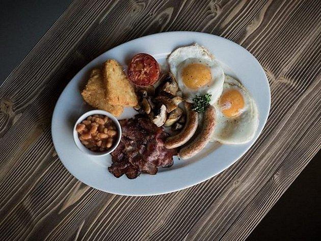 Anglická snídaně.