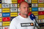 Trenér Slovanu Liberec Pavel Hoftych při rozhovoru pro Českou televizi.