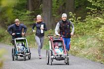 Rodiny s dětmi se zúčastnily čtvrtého ročníku závodu Jizerský prcek.