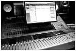 VLTAVA nahrává ve studiu Svárov kousek od Prahy šestou řadovou desku Čaroděj. Pokřtí ji 26. května v Paláci Akropolis v Praze.