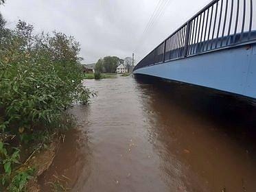 Řeka Smědá ve Višňové a Předláncích ve středu 14. října 2020 dopoledne.