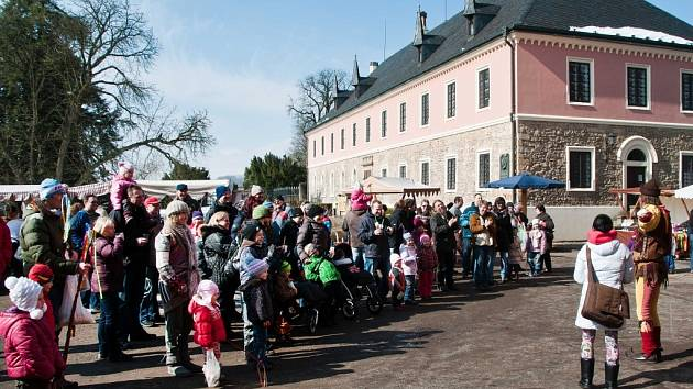 Trhy na zámku Sychrov