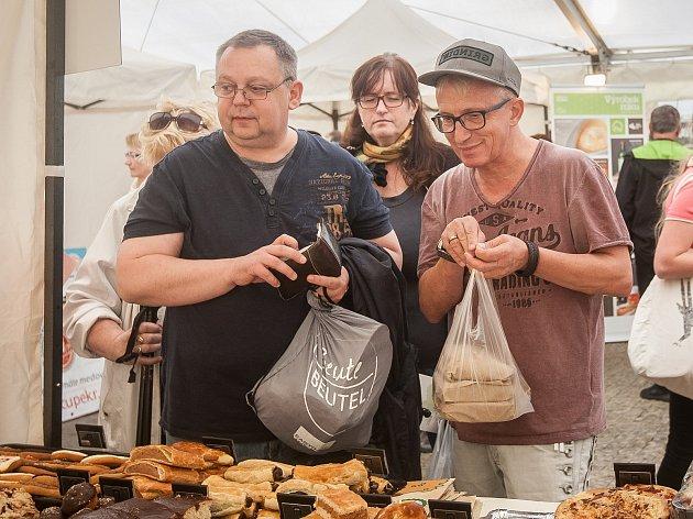 Prodejní prezentační výstava Den regionálních potravin Libereckého kraje proběhla 11. října na náměstí Dr. E. Beneše v Liberci.