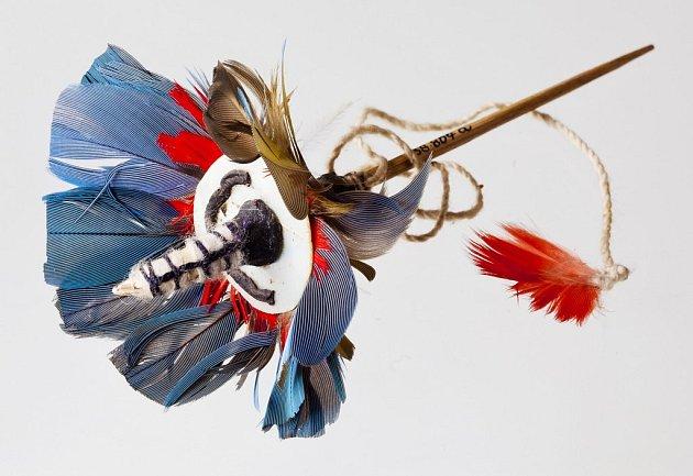 PROPÍCHNOUT ČI NEPROPÍCHNOUT. Výstava Piercing mezi rituálem a pózou je dokladem, že galerijní umění může být inekonvenční a může zaujmout imladé lidi.