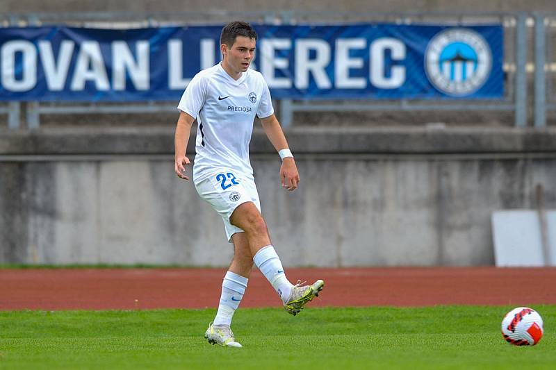 Trápení pokračuje. Liberec B (v bílém) doma podlehl Brozanům 0:1.