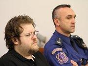 Tresty 22 a 18 let vězení vynesl v pondělí liberecký krajský soud nad devětatřicetiletým Romanem Šedým a o osmnáct let mladší Veronikou Dolejškovou za loňskou vraždu muže v České Lípě.