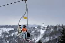 První lyžařská střediska otevřela