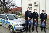 Policisté z Chrastavy přispěli k záchraně života muže.