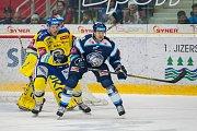 Utkání 42. kola Tipsport extraligy ledního hokeje se odehrálo 21. ledna v liberecké Home Credit areně. Utkaly se celky Bílí Tygři Liberec a Aukro Berani Zlín. Na snímku vpravo je Tyler Redenbach.