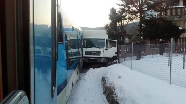 Nehoda na přejezdu ve Vratislavicích