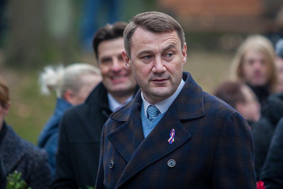 Vzpomínkové shromáždění se konalo 17. listopadu u Památníku obětem komunismu v Liberci u příležitosti výročí sametové revoluce v roce 1989. Na snímku je hejtman Libereckého kraje Martin Půta.