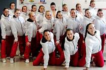 VÝPRAVA ČESKÝCH GYMNASTEK. V bulharské Sofii soutěžily aerobičky Sport Aerobic Liberec.
