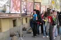 Stop genocidě pořádá akce po celé ČR, hlavně u škol.