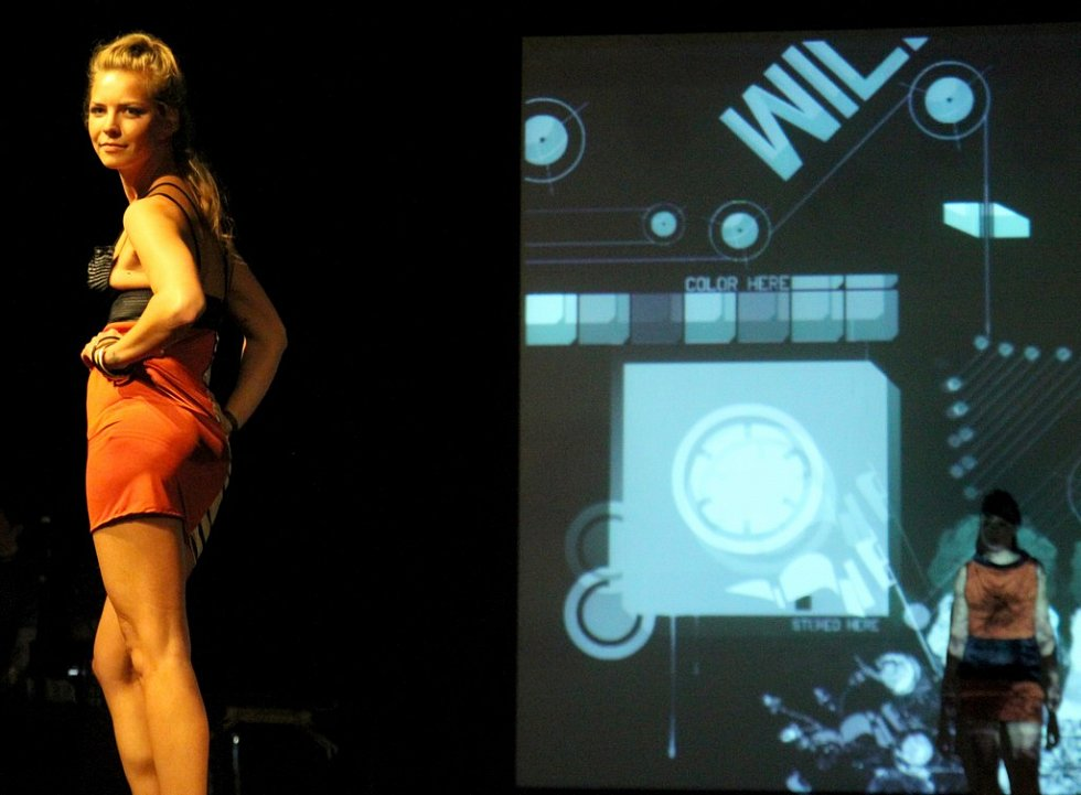 Fashion show Ajax Šrejmová: I - Ting na DrinkARTu ve vratislavických Desítkách