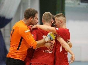 Zlej sen Liberec zklamal a prohrál doma s Mělníkem 5:7. Liberečtí jsou v červených dresech.