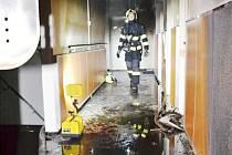ŽHÁŘ řádil v Liberci poprvé od roku 2011, kdy byl ze série požárů obviněn Petr Hrubý. O jeho trestu má rozhodnout až pražský vrchní soud. V úterý večer se jen s velkým štěstím nestalo nikomu z obyvatel nic vážného.