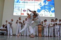 MISTROVSTVÍ EVROPY. Olomouc hostila 140 capoeiristů. Liberec pobral čtyři medaile. Liberecký mistr Evropy Jakub Stavinoha (vlevo) v akci.